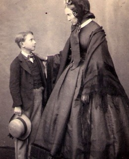 Nizole, Julie et son fils Charles