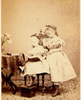 De Geer, Bertha et Anna (1868)