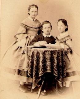 Kœchlin, Bertha, Edmond et Amélie (1864)