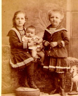 Poupardin, Adèle, Geneviève et Raymond